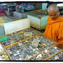 amulet_market_bangkok
